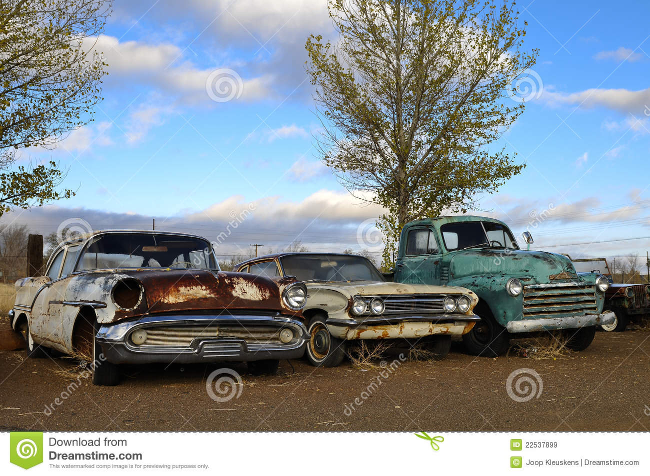 Rusty old classic cars stock image. Image of colorful - 22537899