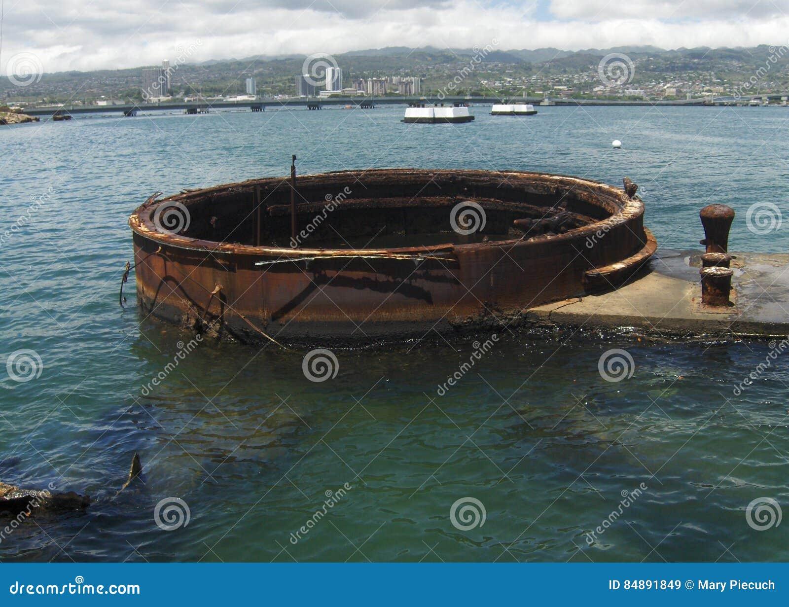 Rusty Relic no memorial do Pearl Harbor