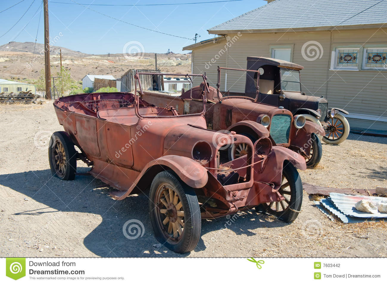 rusty vintage cars stock photo image of headlights vintage 7603442. Black Bedroom Furniture Sets. Home Design Ideas
