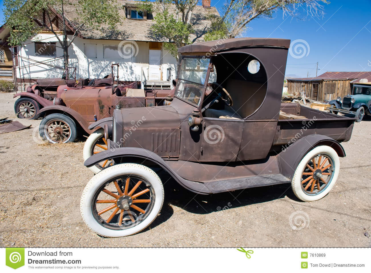 rusty vintage cars stock image image of junk vintage 7610869. Black Bedroom Furniture Sets. Home Design Ideas