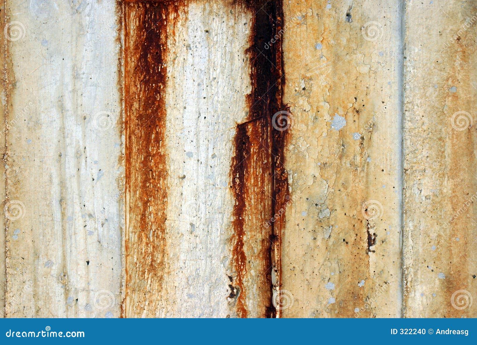 Rusty z betonu