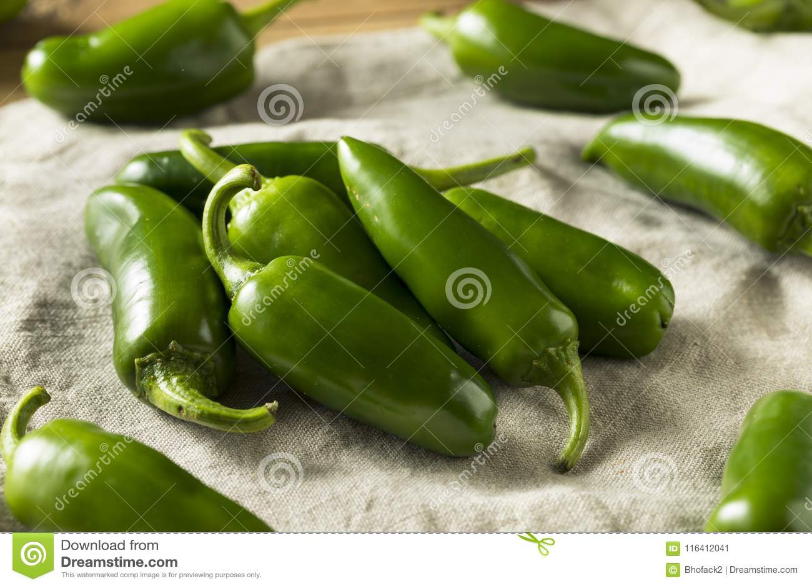 Ruwe groene Organische Jalapeno-Peper