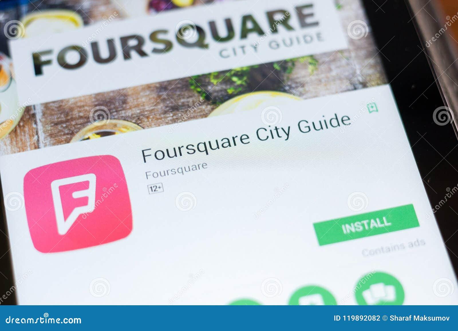 Ryazan, Russland - 24. Juni 2018: Foursquare bewegliche APP des Stadt-Führers auf der Anzeige des Tablet-PCs