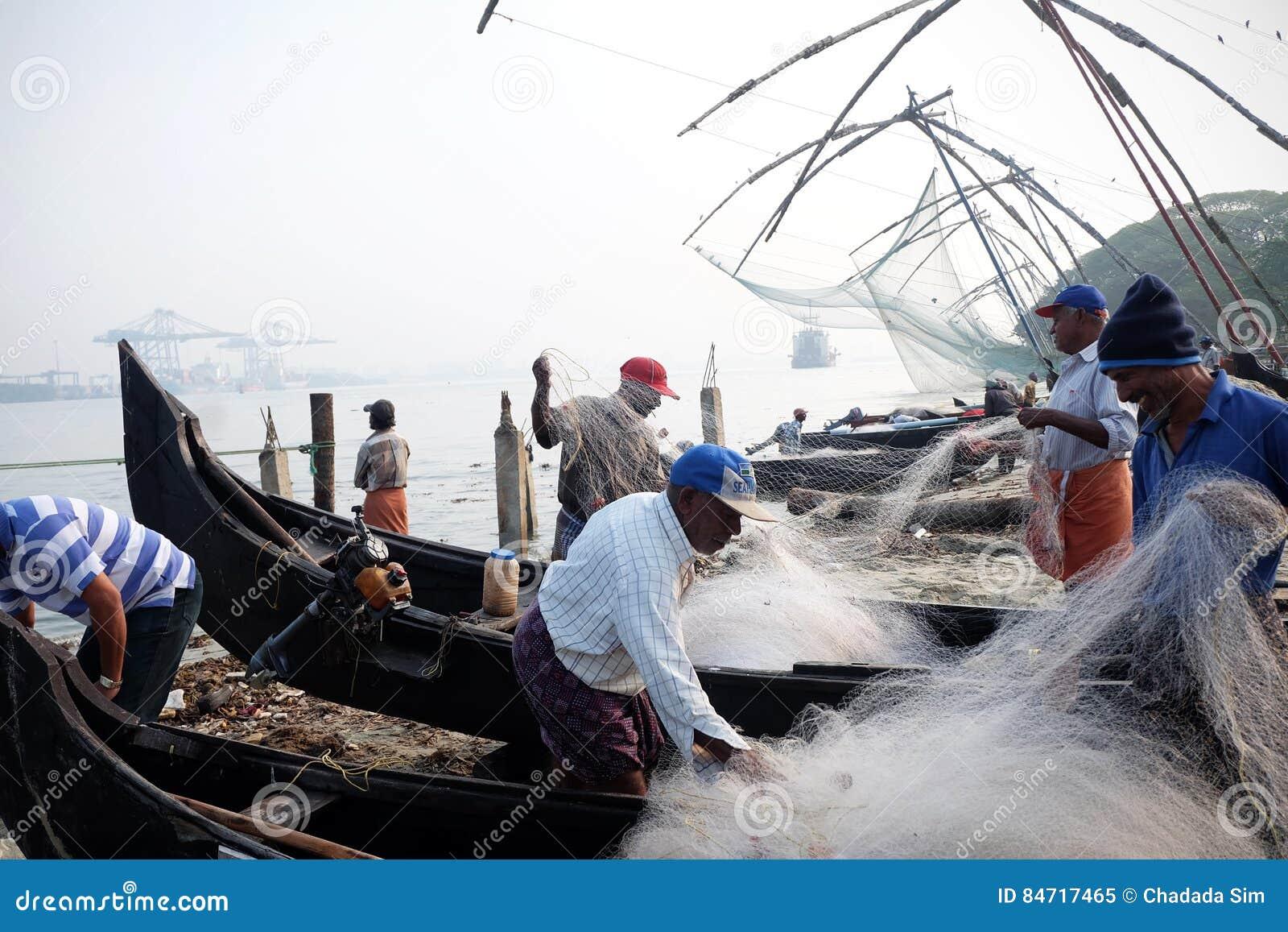 Rybak z ` żaby ` ryba, fort Kochi chińczyk sieć