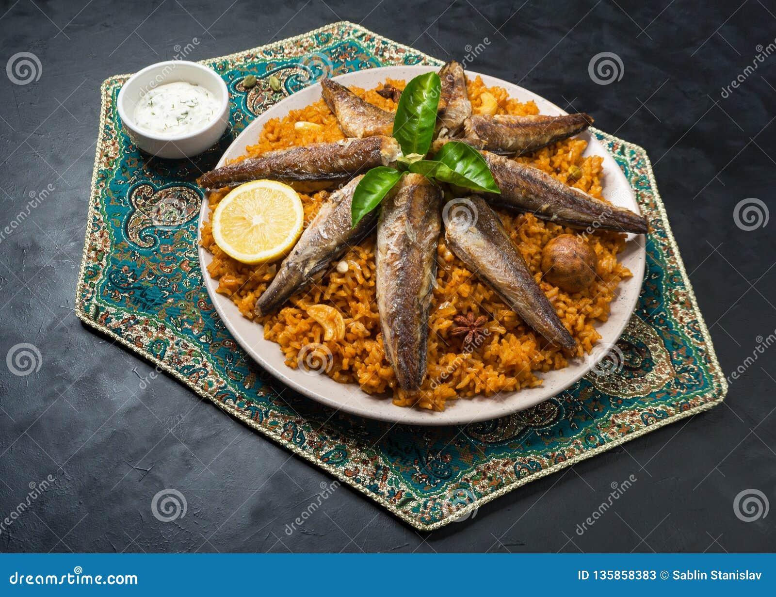 Rybi Biryani Saudyjczyk - arabski Rybi Kabsa Odgórny widok