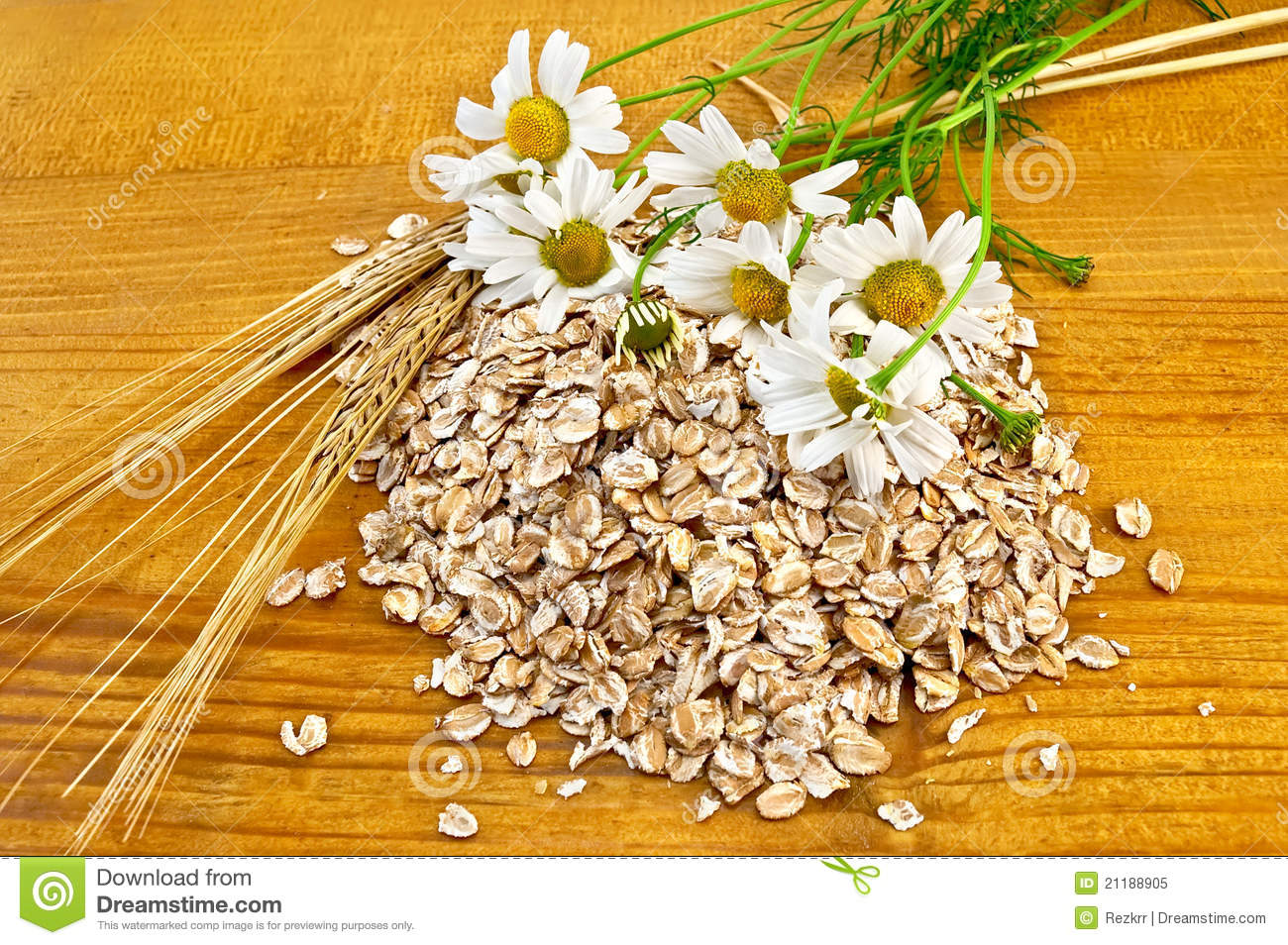 Rye flakes with daisies