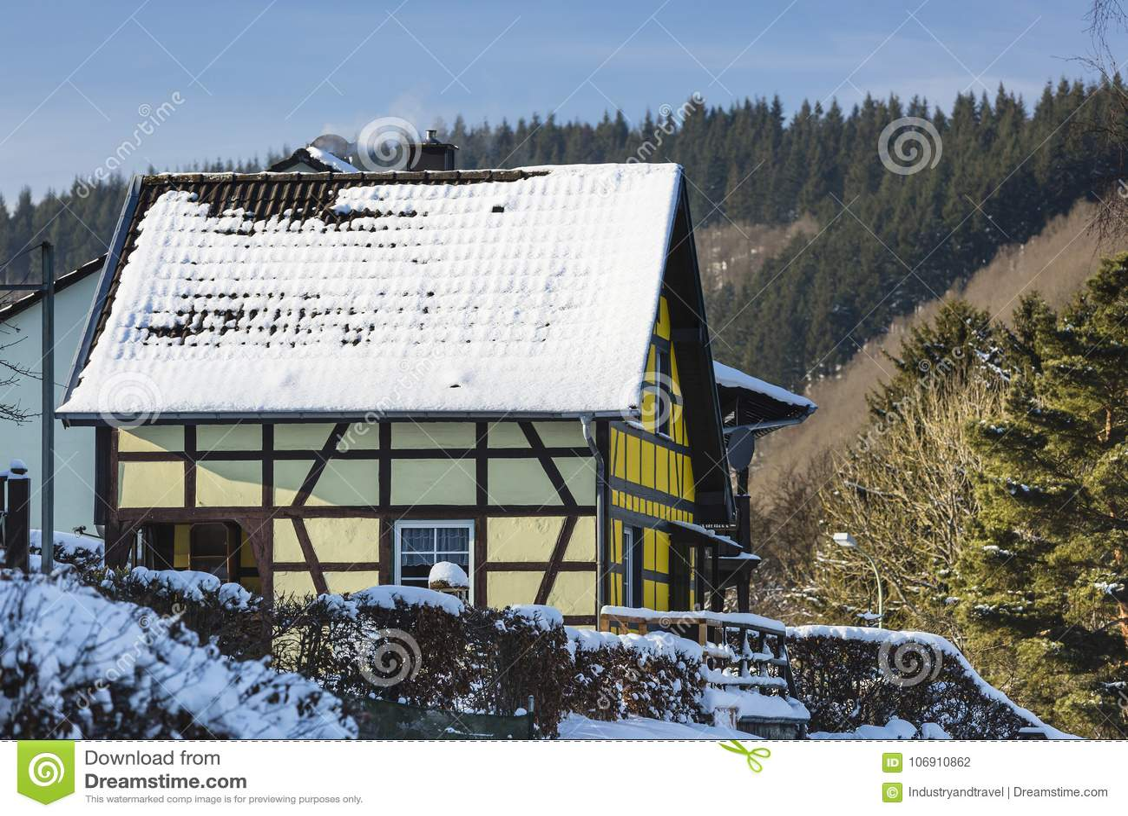 Ryglowy dom W Eifel, Niemcy