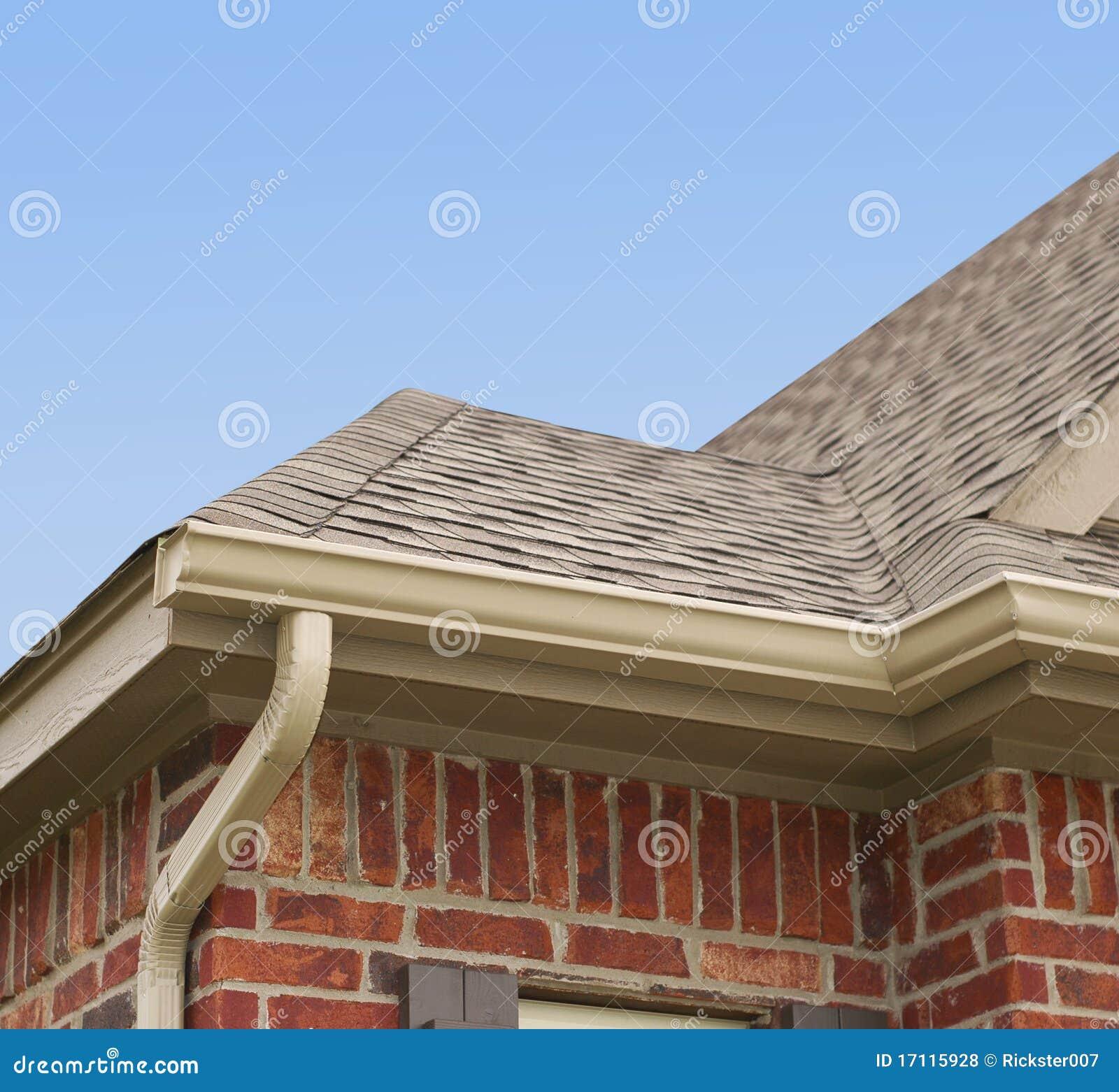 Rynn domu dach