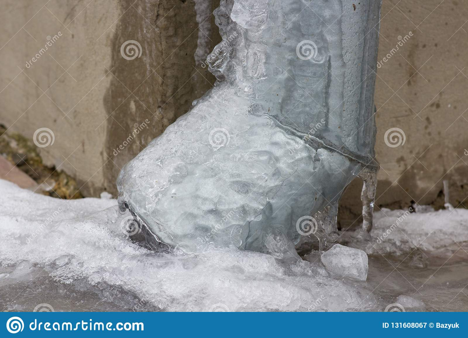 Rynsztokowa drymba marznie, Marznący Podeszczowej wody Drenarski Rynnowy Downpipe