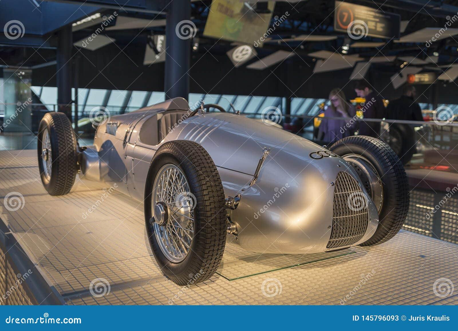 RYSKI, luty 18, 2019: 1936 Auto zjednoczeń V16 w Ryskim Motorowym muzeum