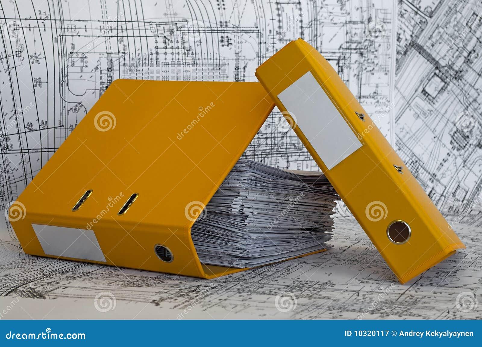 Rysunków skoroszytowy rozsypiska projekta kolor żółty