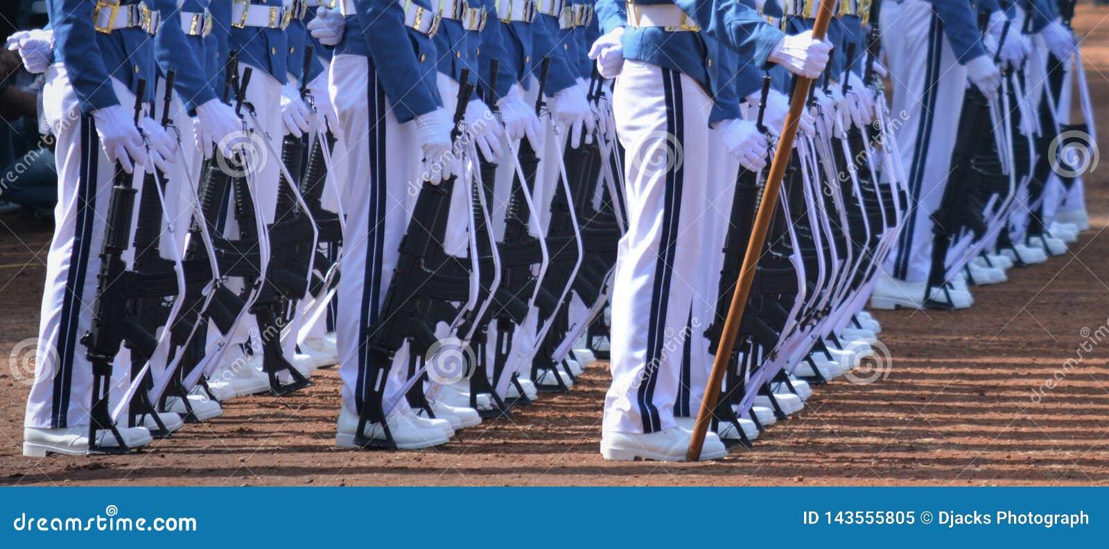 Rzędy ceremonialni oddziały wojskowi