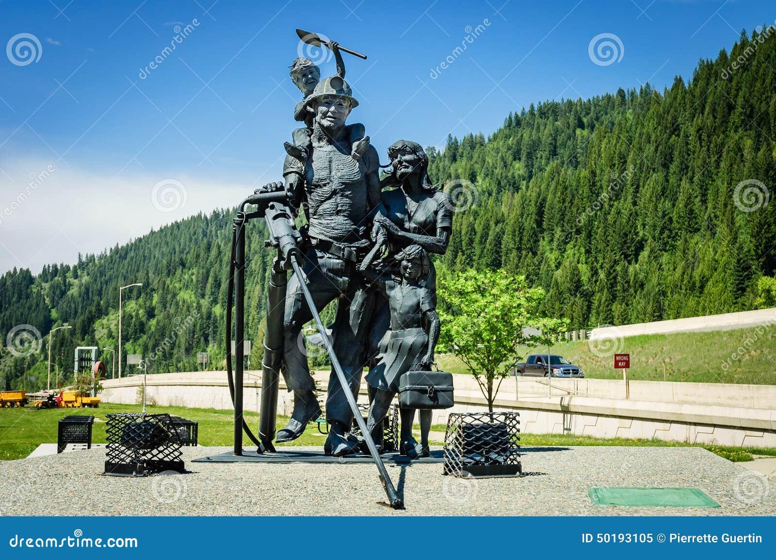 Rzeźba górnicy rodzinni