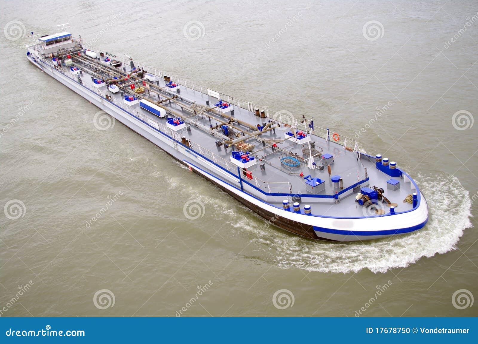 Rzeczny statek