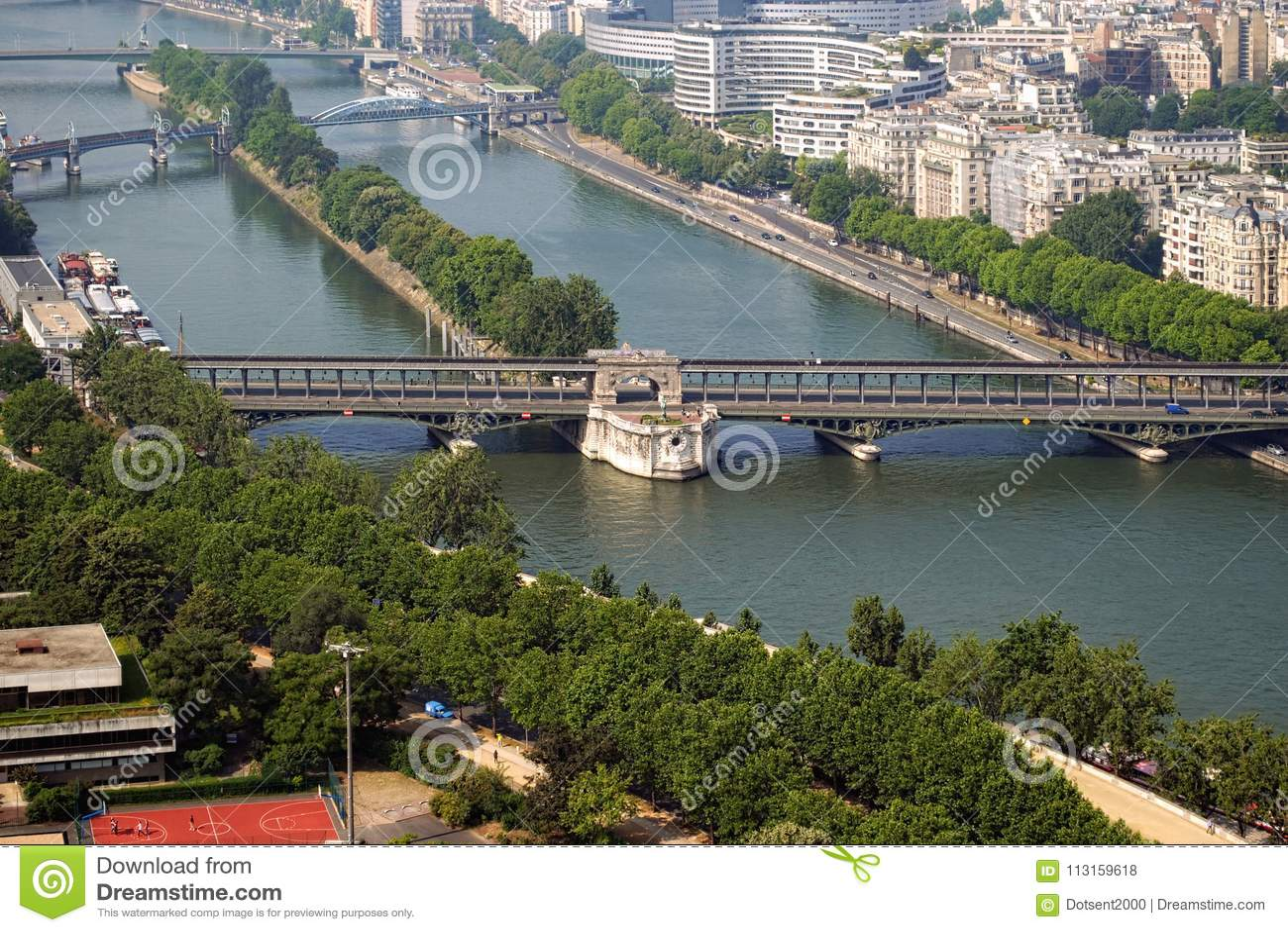 Rzeczny wonton i swój mosty