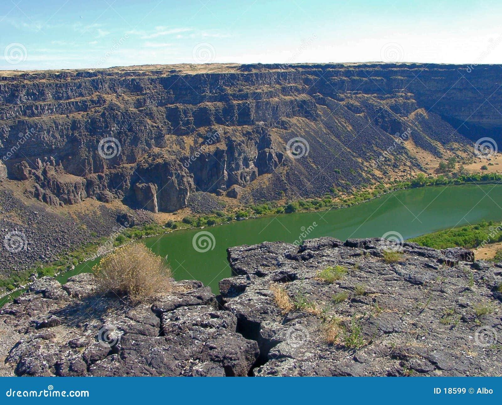 Rzeka w kanionie wąż