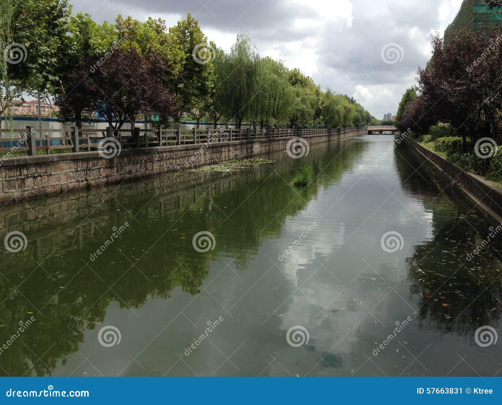 Rzeka w Szanghaj Chiny