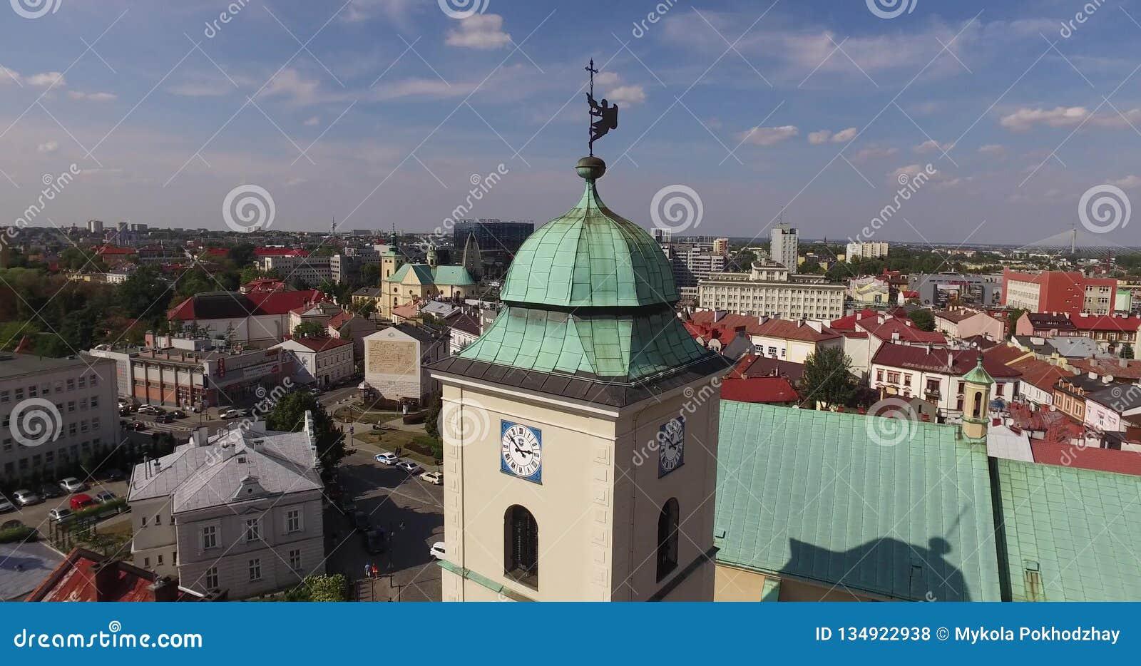 Rzeszowski Powietrzny centrum miasta w Polska Grodzki Środkowy Ratush na 26st 2015 Sierpień