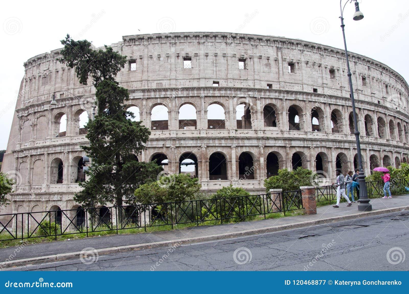 Rzym WÅ'ochy, Maj, - 01, 2018: amphithheater kolosseum w Rome, WÅ'ochy majestatyczny amphithheater budynek w Å›wiacie Å›wiatowy p