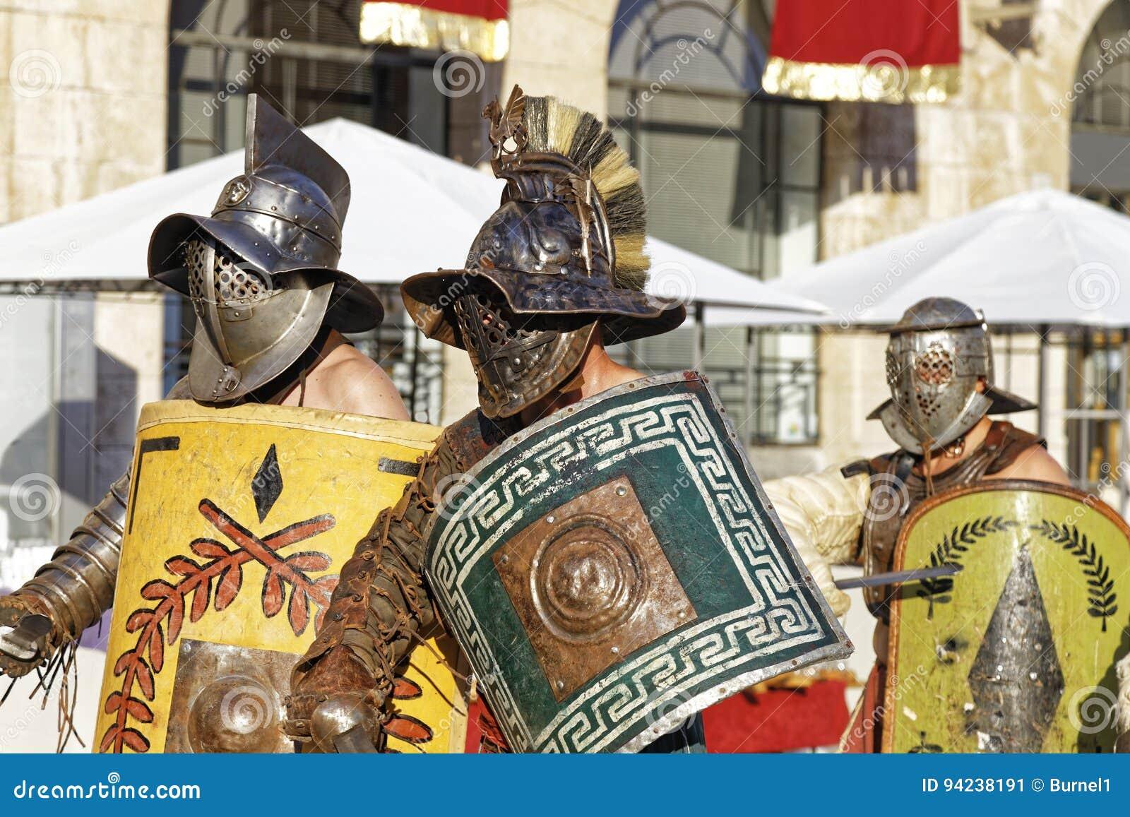 8f428d10 Rzymscy gladiatorzy, zdjęcie editorial. Obraz złożonej z konkurenci ...