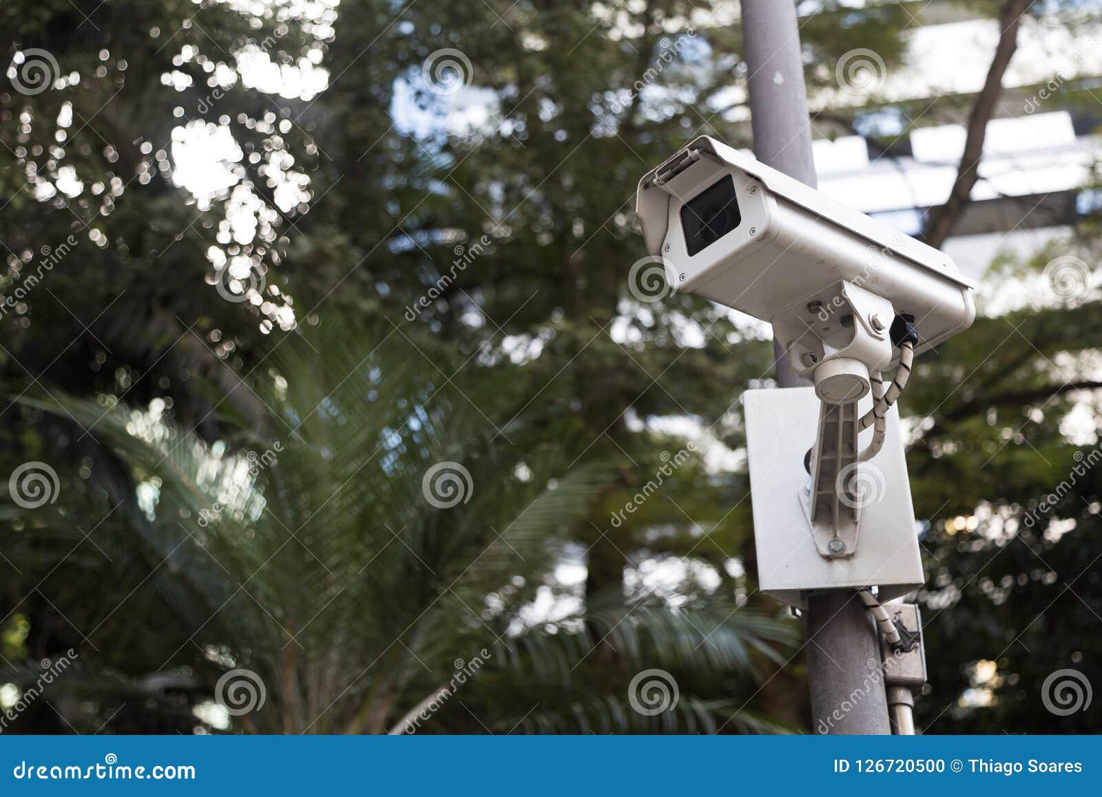 Säkerhetskamera i ett offentligt ställe