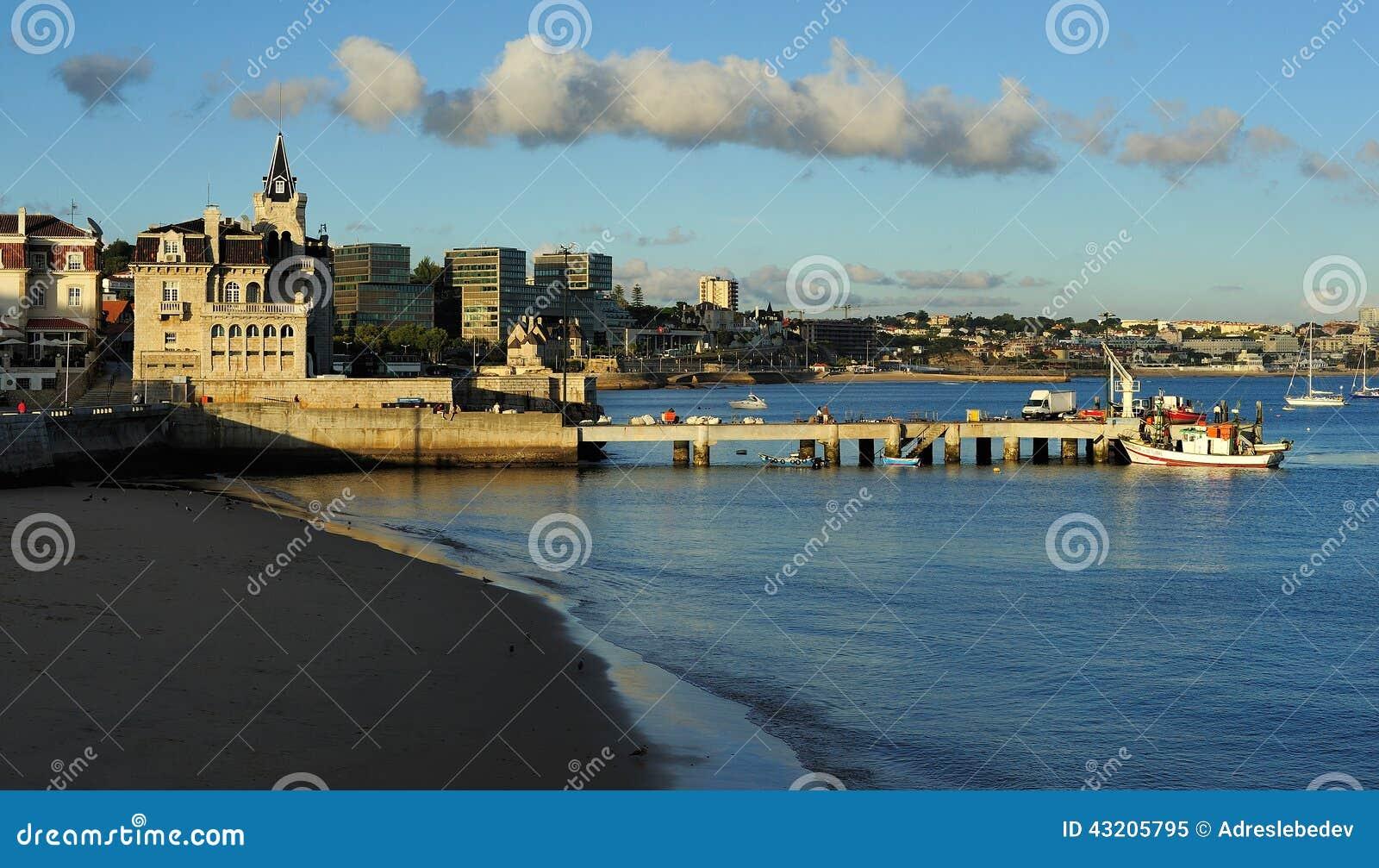 Download Sätta På Land I Mitten Av Cascais, Portugal Fotografering för Bildbyråer - Bild av museum, traditionellt: 43205795