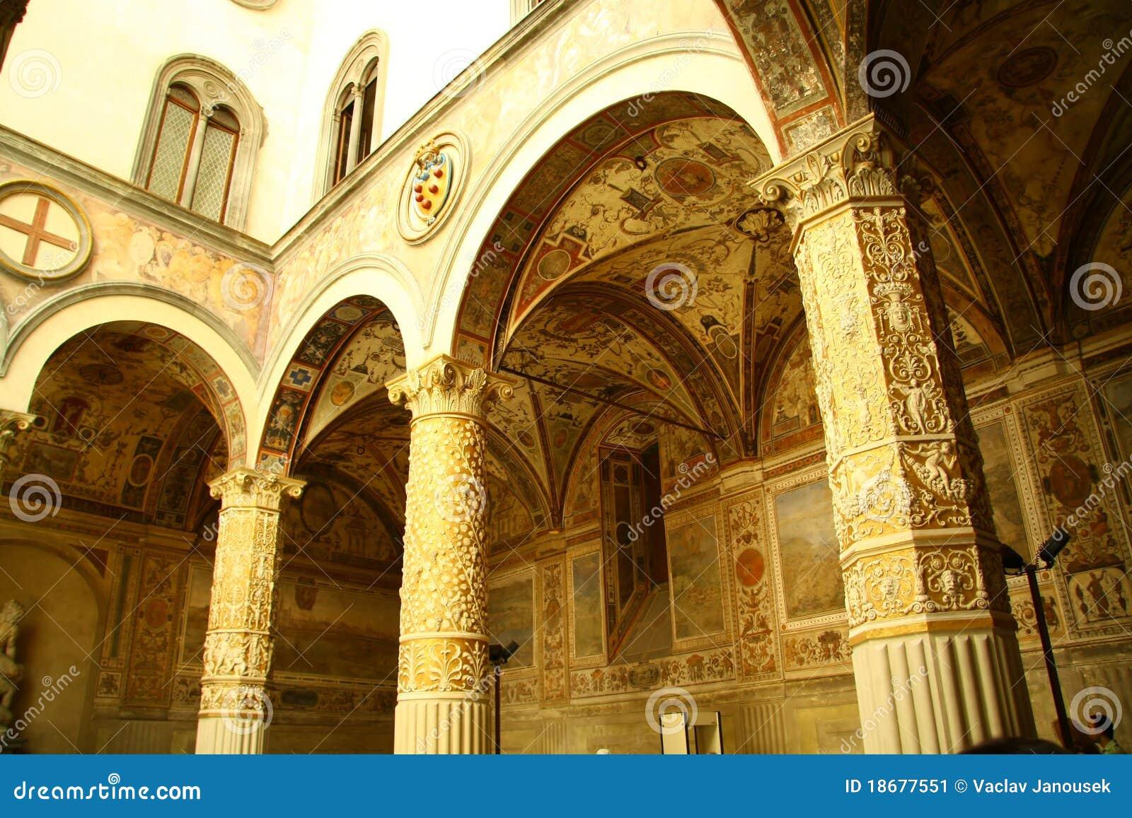 Säulengänge im Firenze-Museum