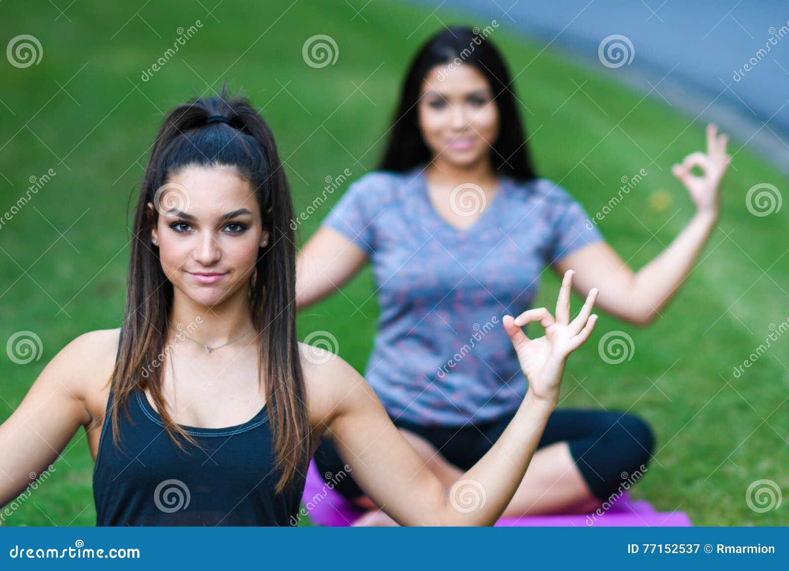 Séance d entraînement de forme physique de groupe