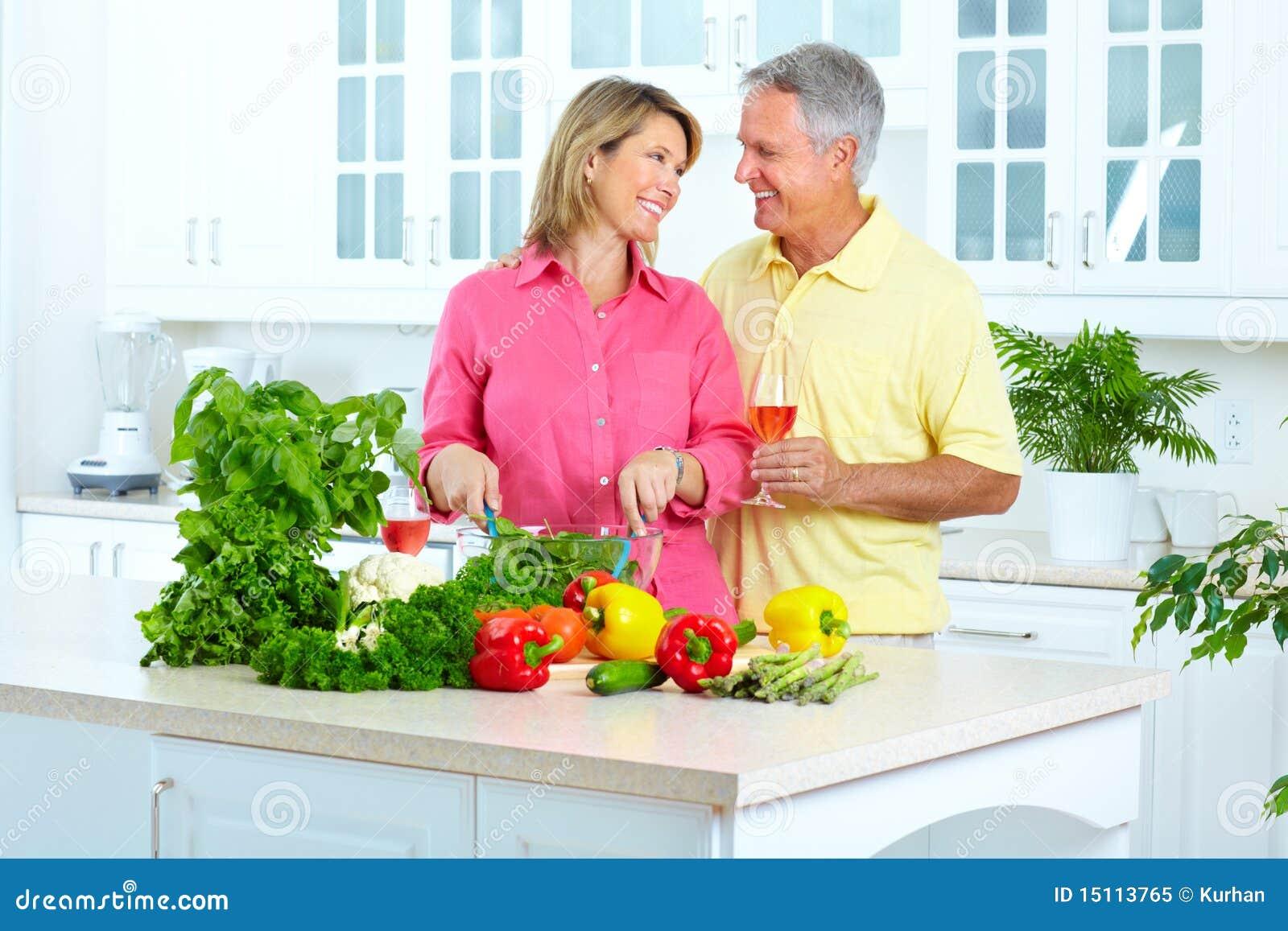 Séniores na cozinha