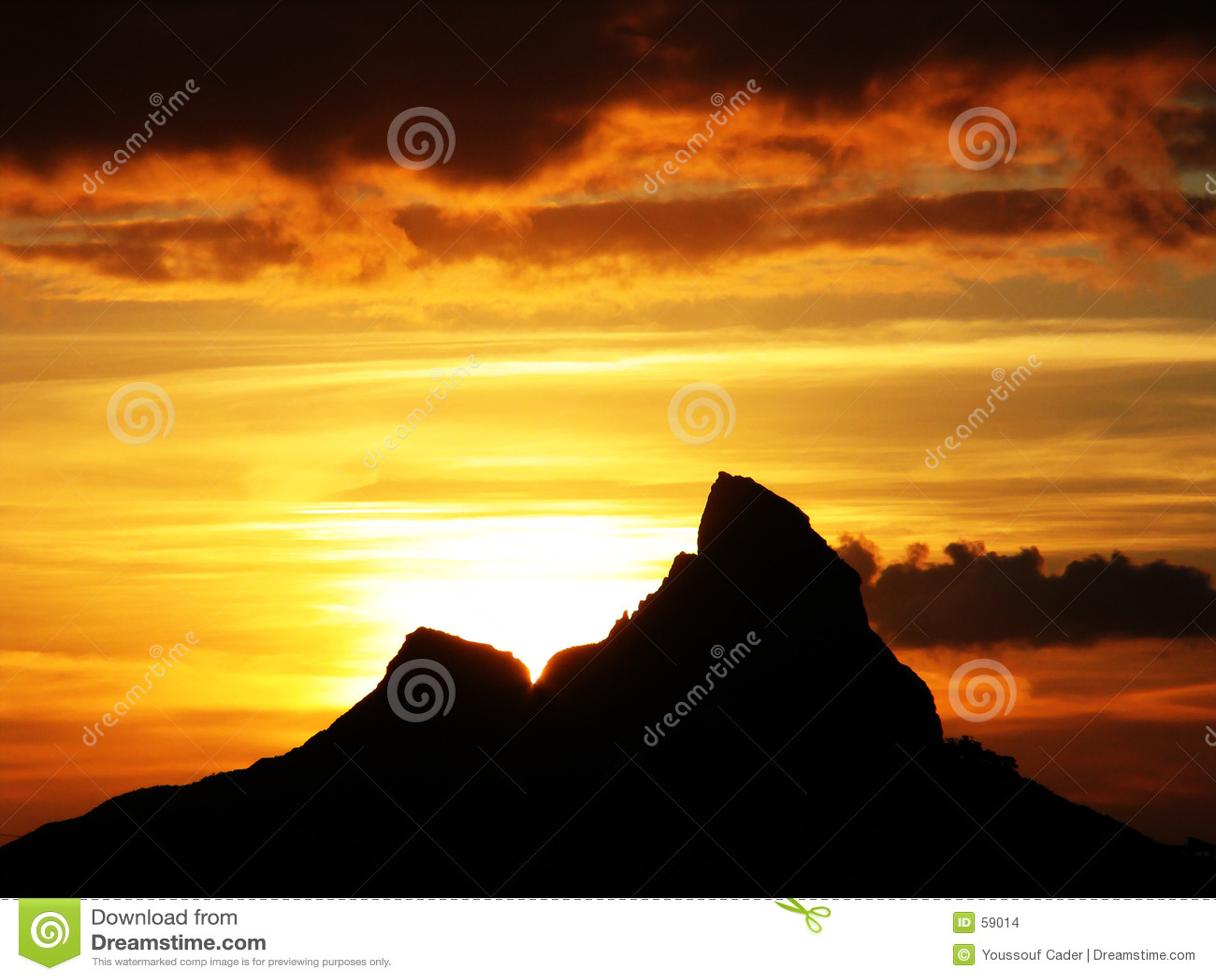 Download Série de montagne photo stock. Image du nuageux, orange - 59014
