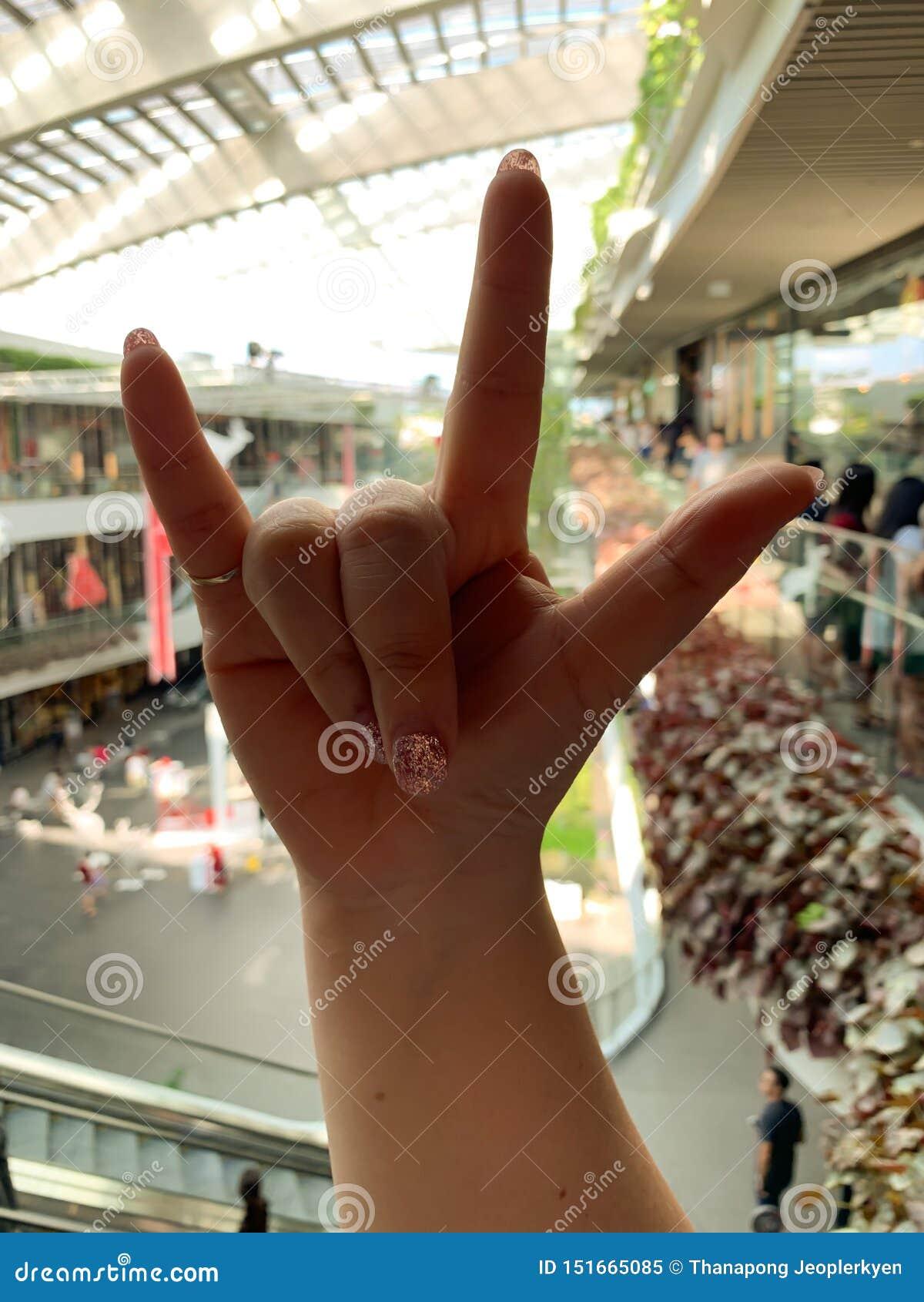 Símbolo do amor à mão