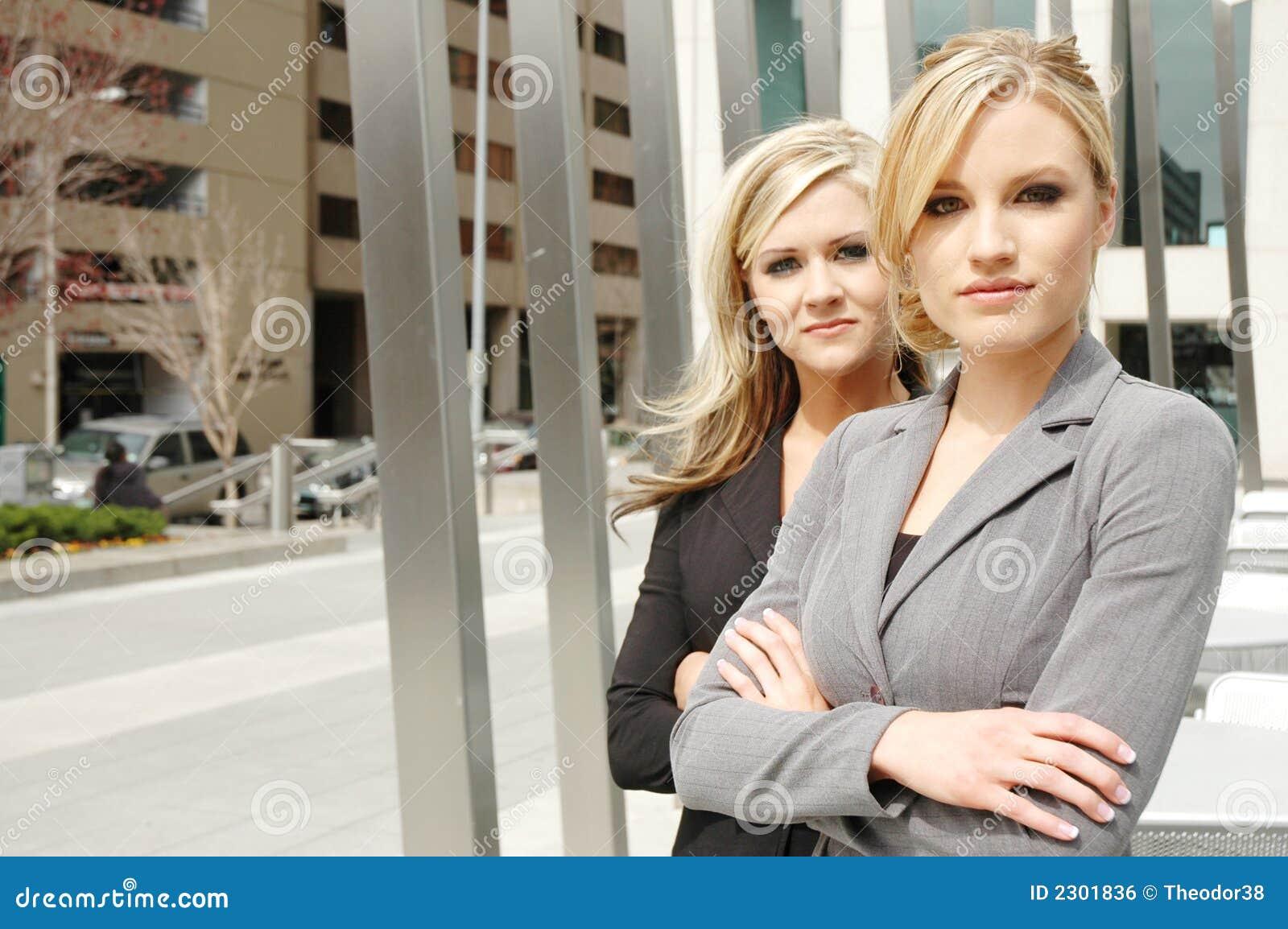Sócios da mulher de negócios
