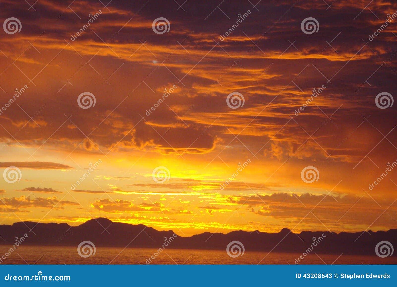 Download Södra - Afrikansk Solnedgång över Havet Fotografering för Bildbyråer - Bild av pittoreskt, sand: 43208643