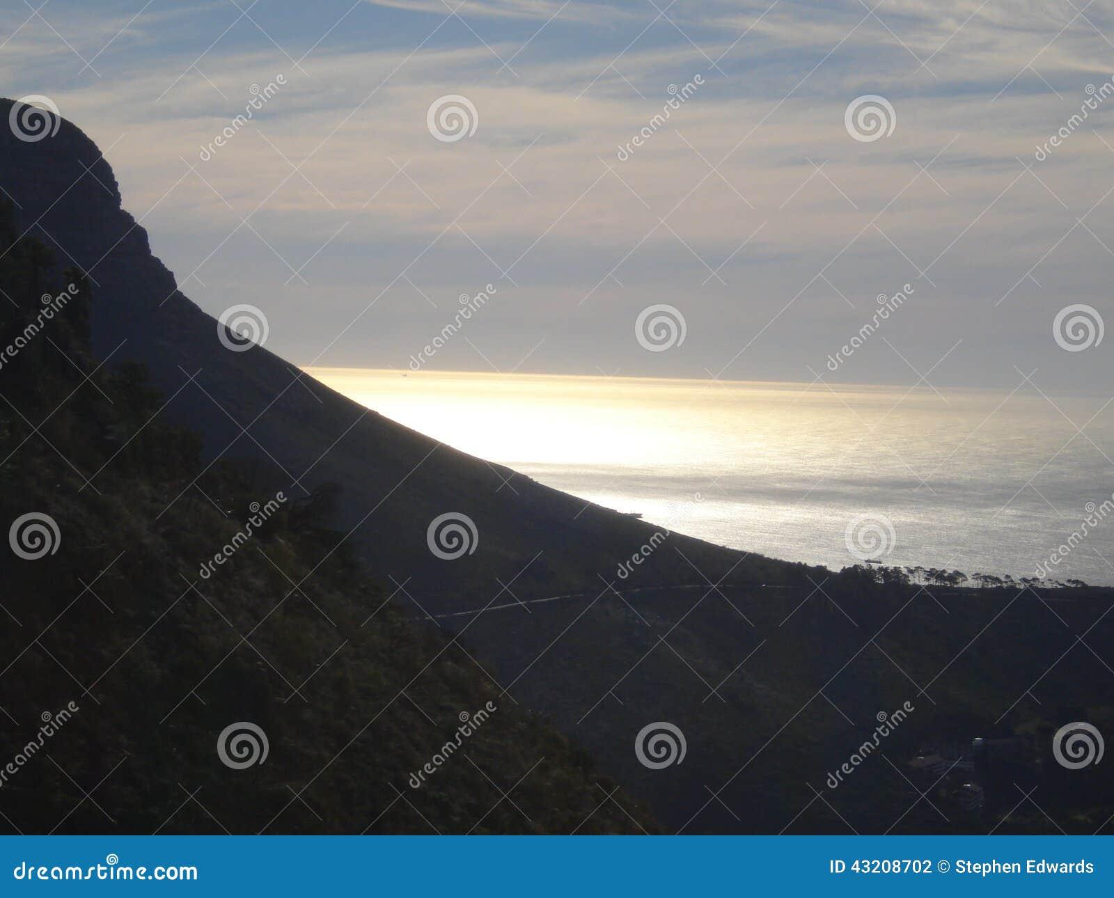 Download Södra - Afrikansk Solnedgång över Havet Arkivfoto - Bild av seascape, pittoreskt: 43208702