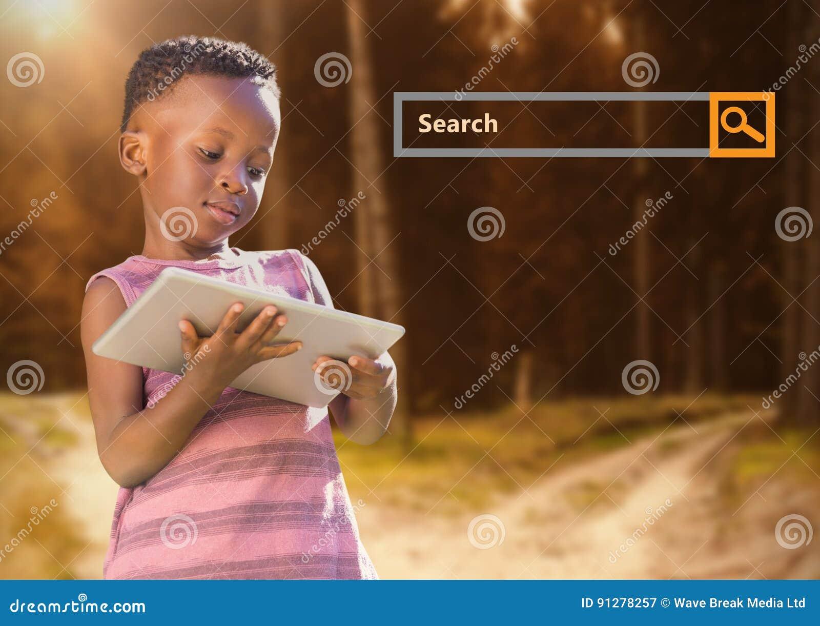 Sök stången med barnet på minnestavlan i trän