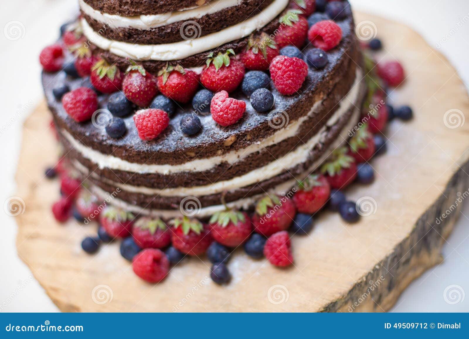 Susse Schone Kuchen Whitfruchte Auf Weiss Stockfoto Bild Von