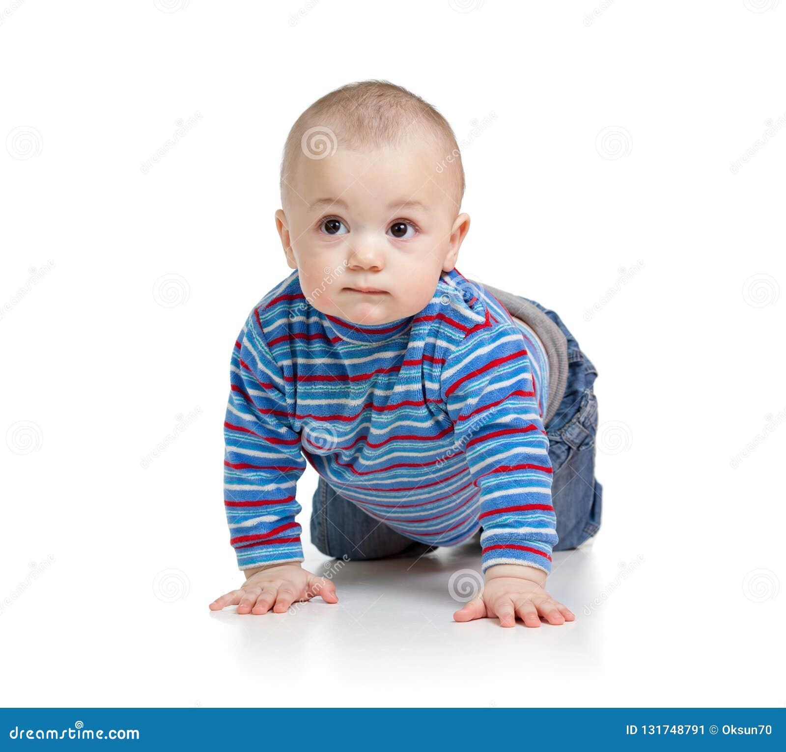 Süßes Babykinderkinderkriechen, lokalisiert auf Weiß