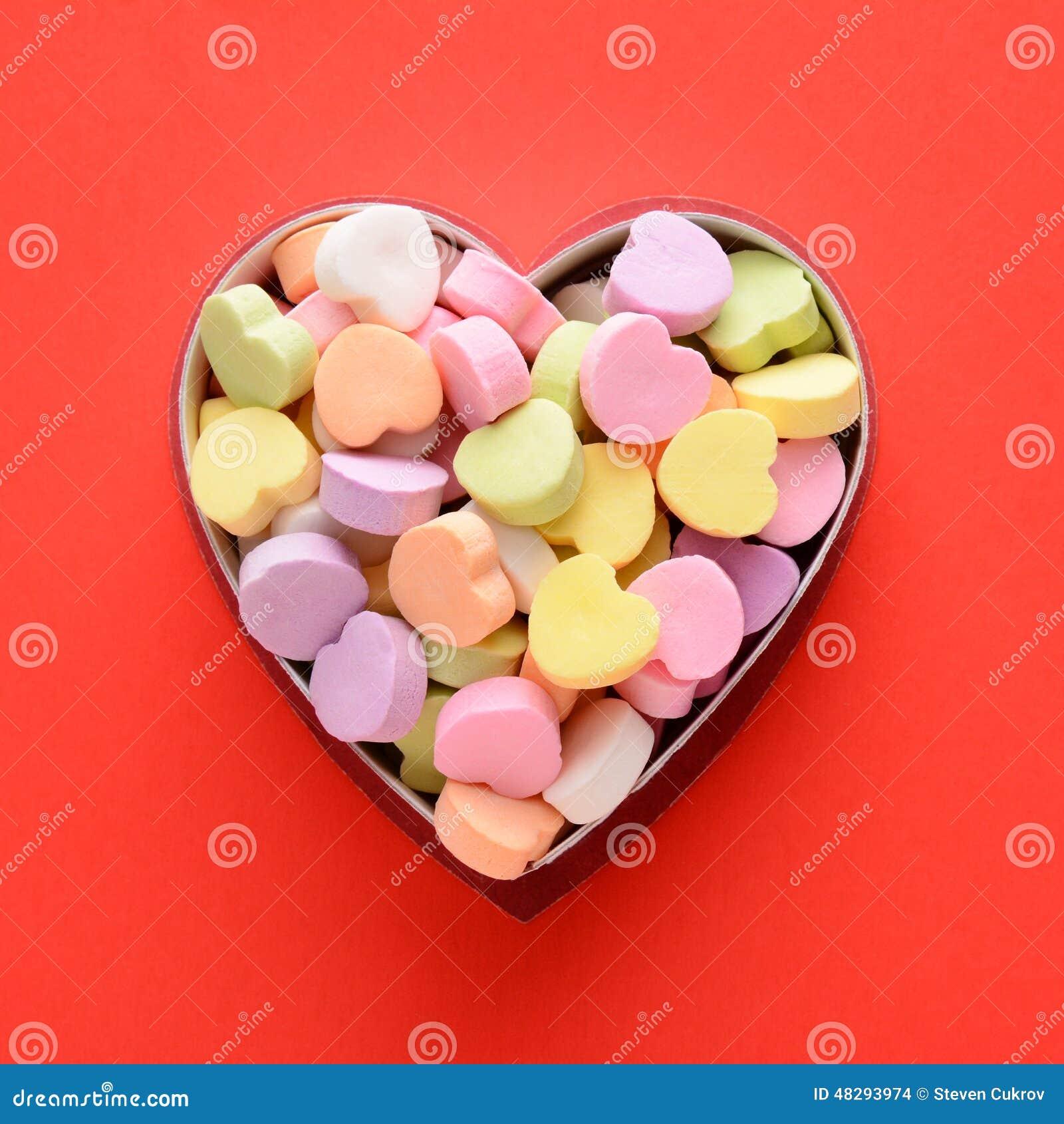 Süßigkeits-Herzen im Kasten