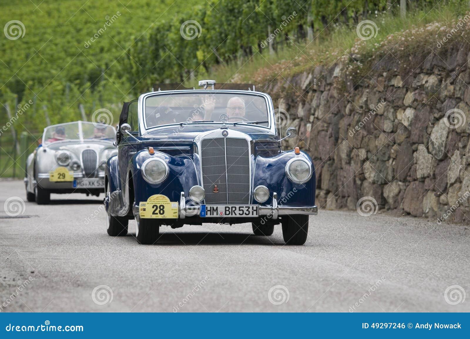 Süd-Tirol klassisches cars_2014_Mercedes 220 CA Cabrio