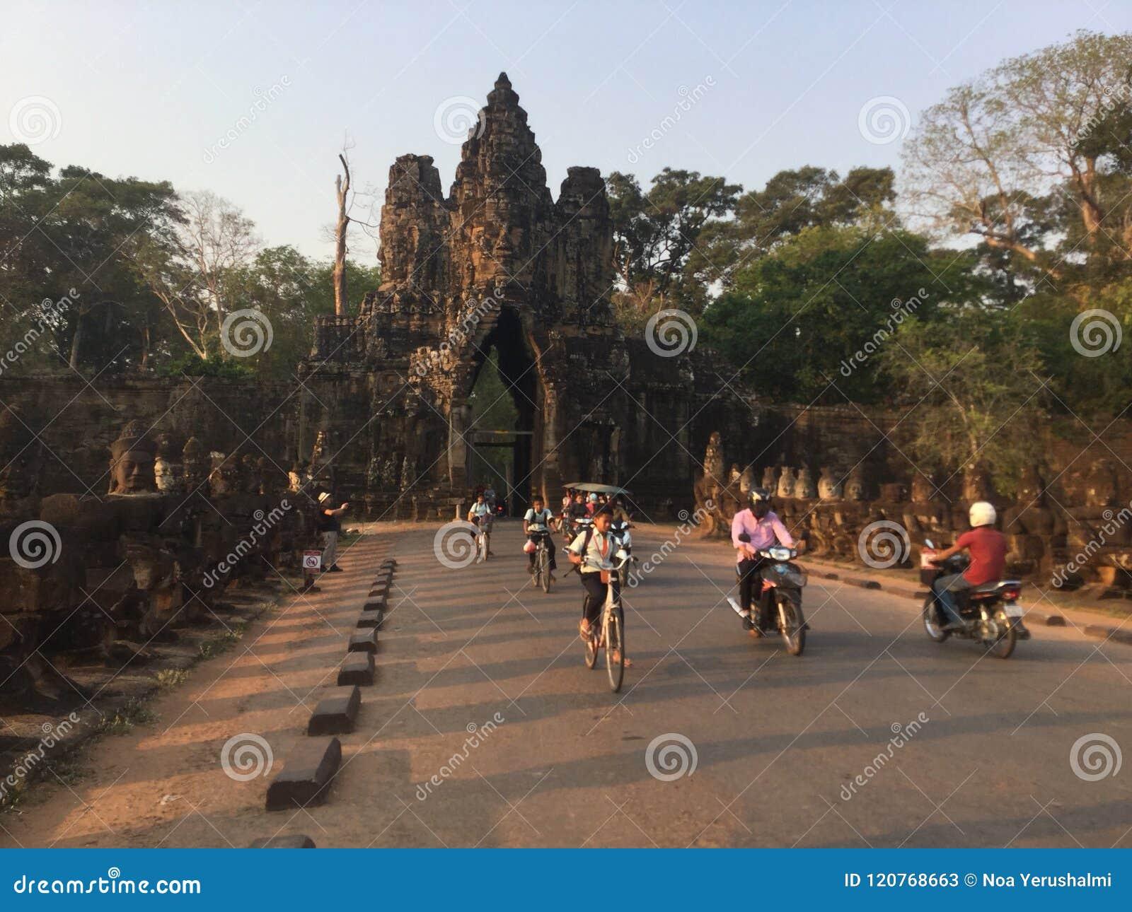 Südtor-Straße Angkor Wat Tempel kambodscha