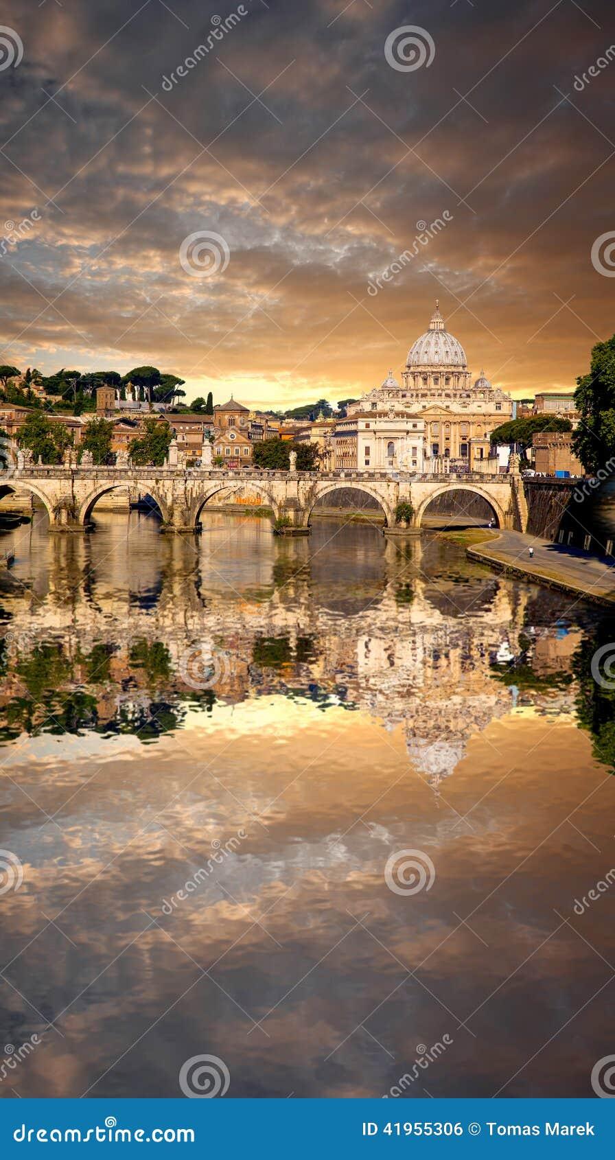 Sławna bazylika Di San Pietro w Watykan, Rzym, Włochy