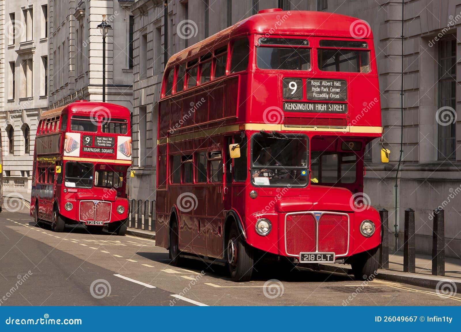 Sławni Czerwoni Autobus Piętrowy Londyn Autobusy