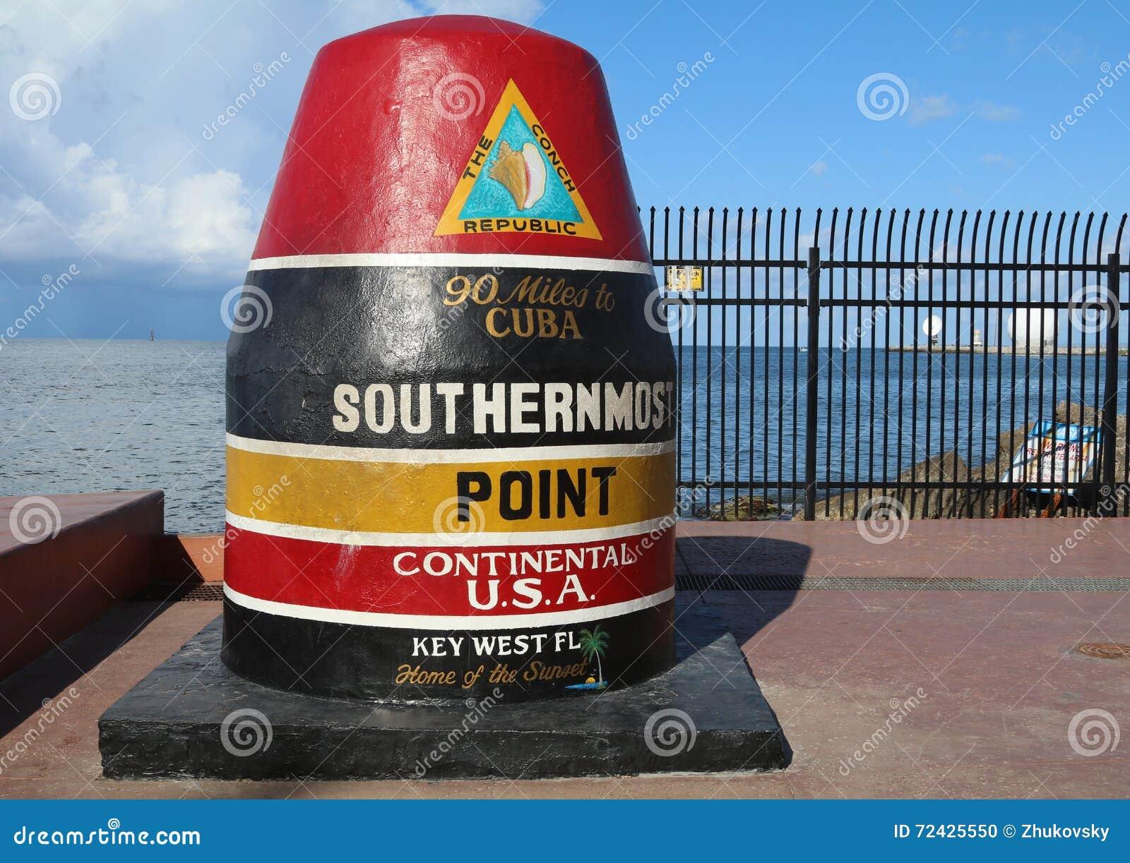 Sławny boja znak zaznacza południowego punkt w Kontynentalnym Stany Zjednoczone w Key West, Floryda