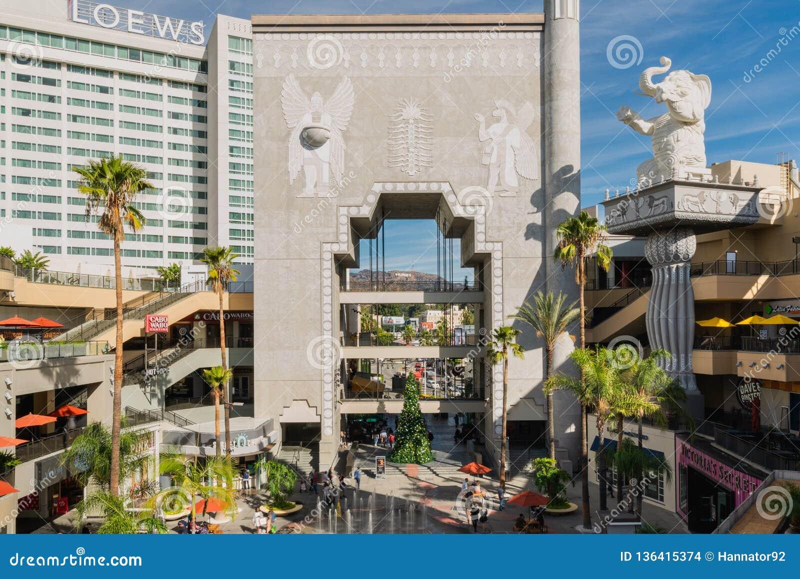 Sławny Hollywood Dolby Theatre i średniogórza centrum