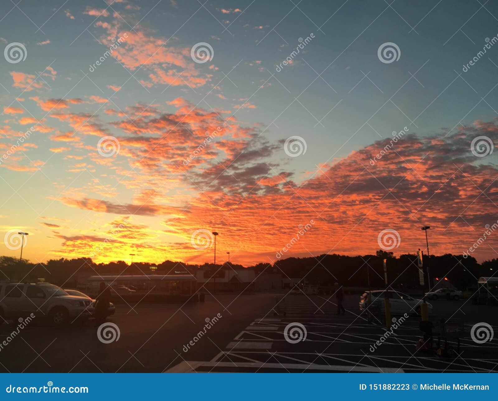 Słońce całuje niebo