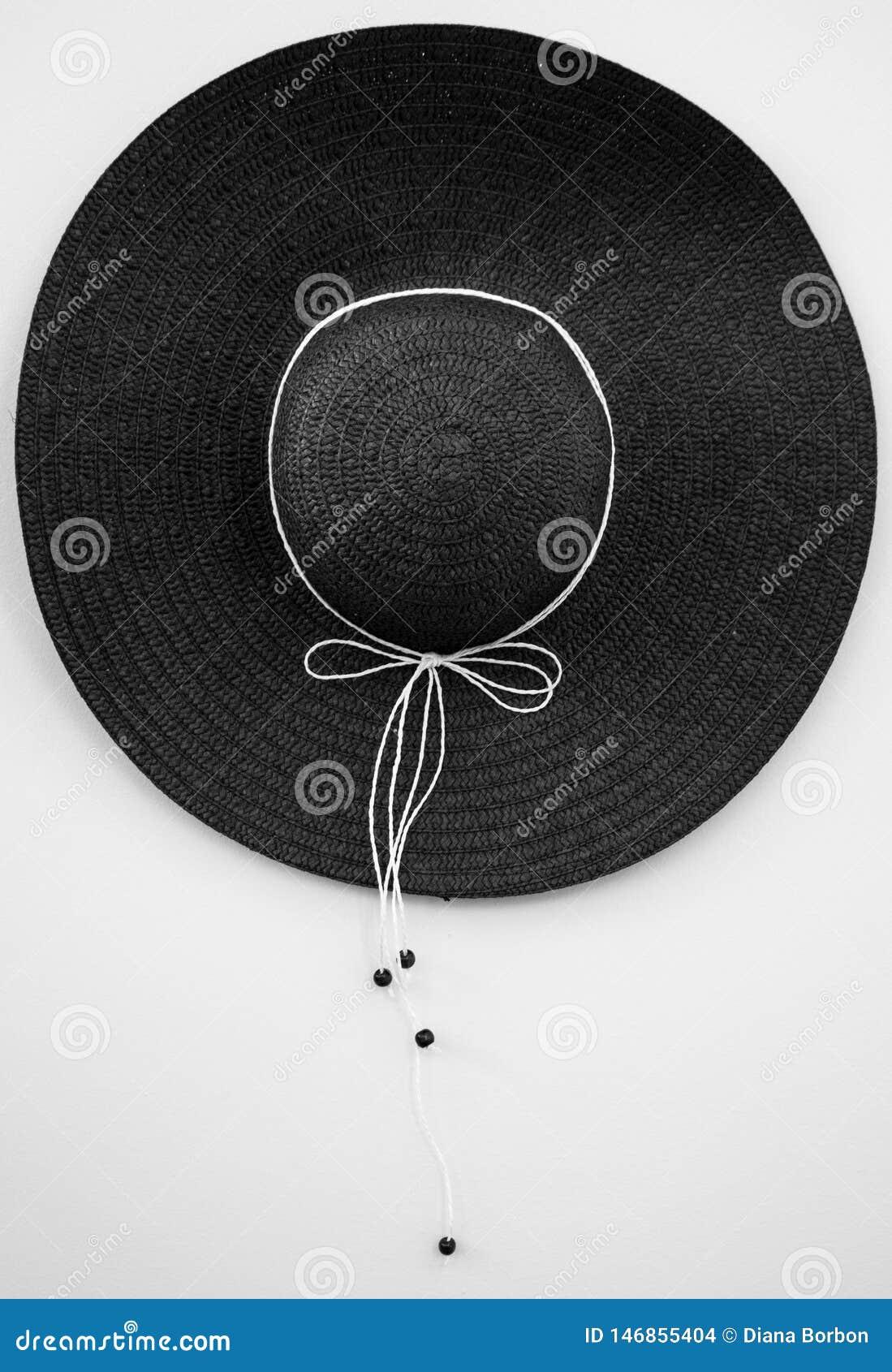 Słońce kapelusz issolated na białym blackground