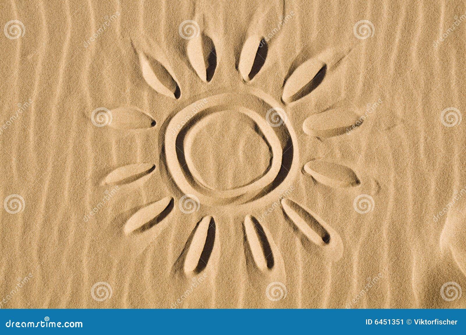 Słońce wypatroszone piasku.
