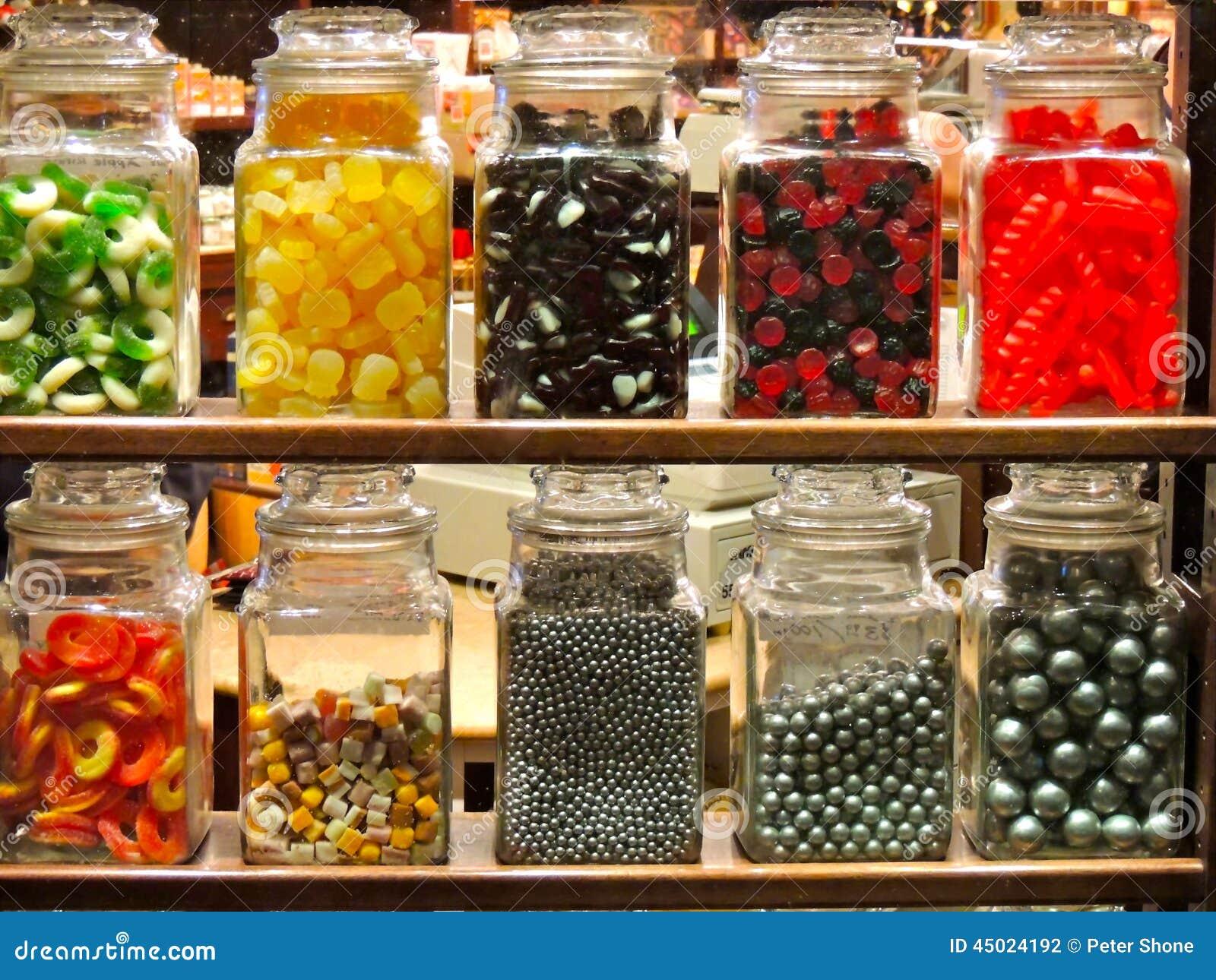 Słoje w cukierku sklepie