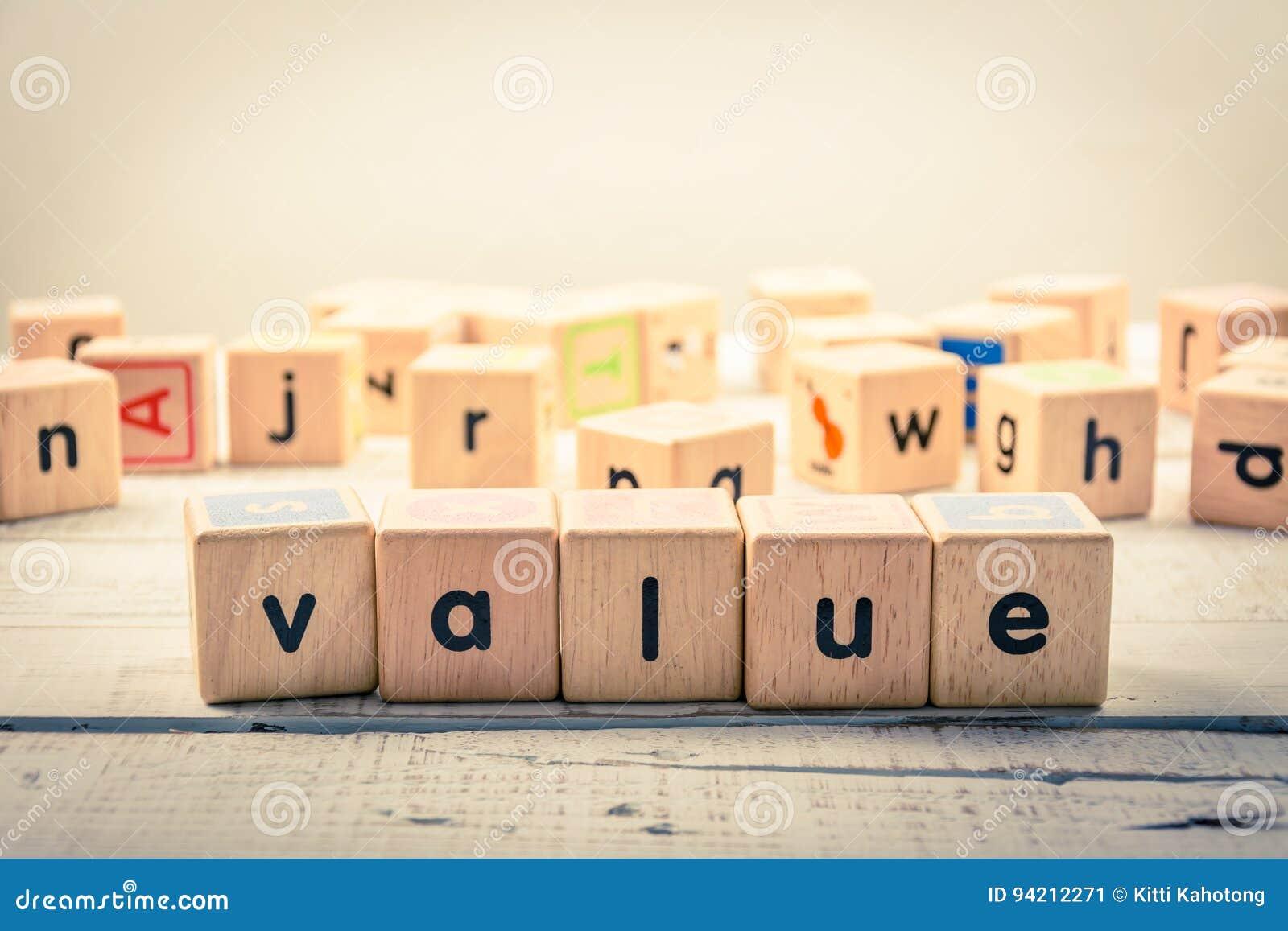 Słowa ` wartości ` drewniany Kubiczny na drewnie