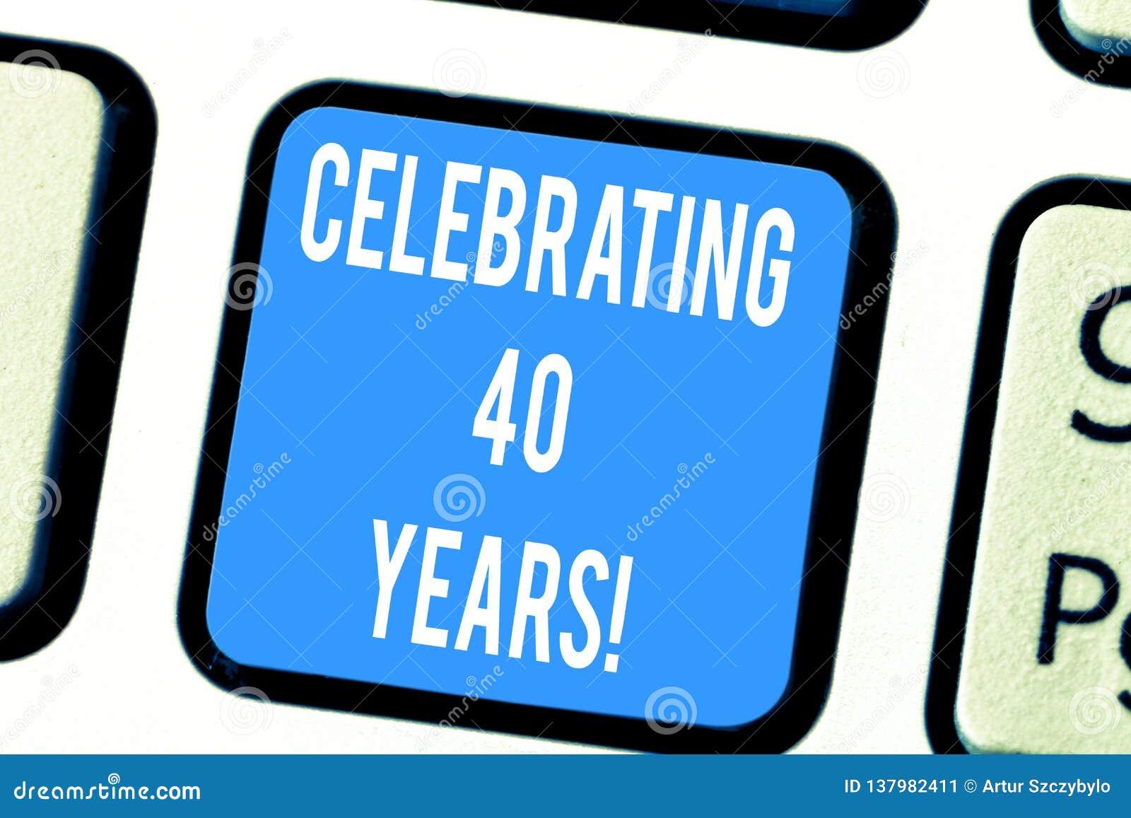 Słowo pisze tekscie Świętuje 40 rok Biznesowy pojęcie dla Honorować Rubinowego jubileusz Upamiętnia specjalną dzień klawiaturę